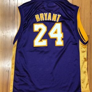 detailed look 246d8 9f378 Vintage Kobe Bryant #24 Adidas Youth XL